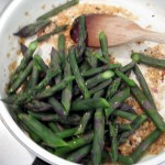 Reheat asparagus with garlic and shallots