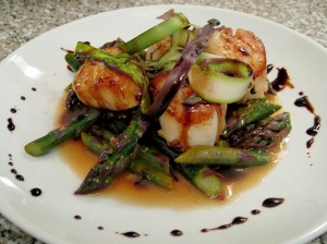 Seared Sea Scallops with Purple Asparagus, White Wine Sauce & Balsamic Glaze