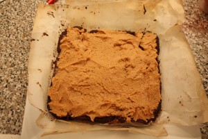 Choc PB Bars: spread peanut butter mixture over shortbread